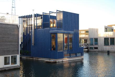 Wonen In Ijburg : Watervilla woonark steigereiland ijburg waterwoning drijvend wonen